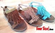 Nuevos colores para las sandalias con brillantes y flecos