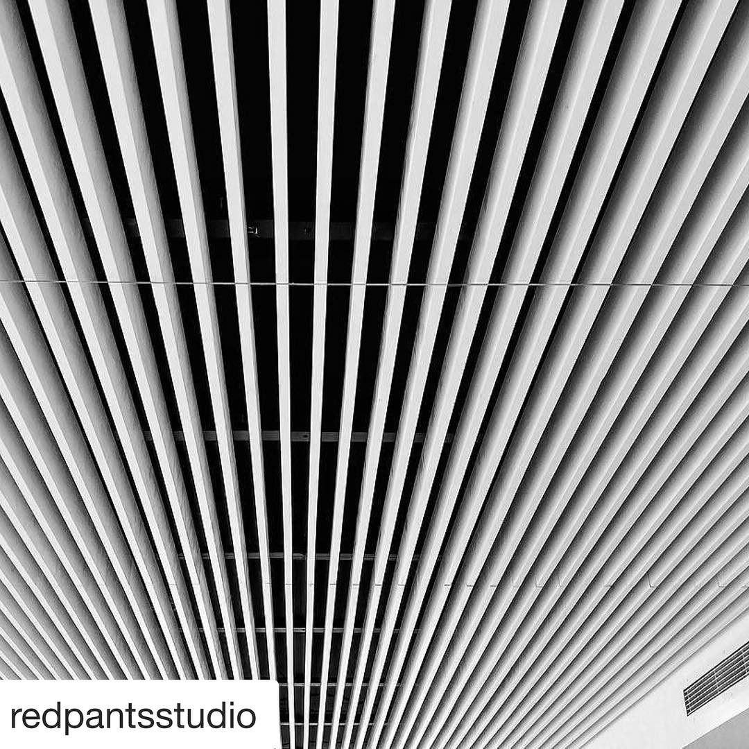 Love the design ideas of @slicdesign and the execution from @mendservices on our @foursquarebuilders finish-out at Seaholm Condos. Great photo by @redpantsstudio