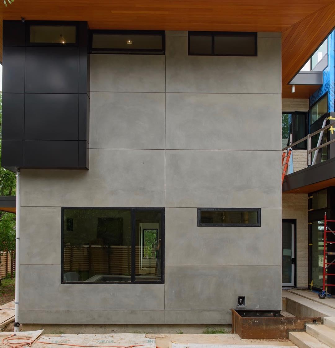 LaHabra Stucco, Break Metal, Fleetwood Windows and Douglas Fir. What a great combination!! Built by @foursquarebuilders Photo by @redpantsstudio