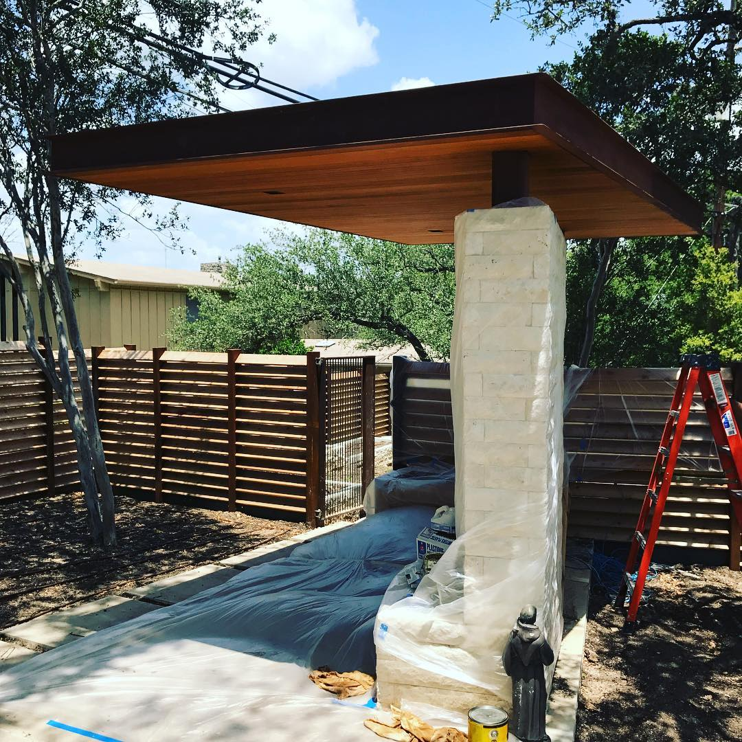 Finishing touches going on our pavilion next to the Bocce Ball court at our Rollingwood build. Built by @foursquarebuilders Steel by @drophousedesign Trim by @mendservices