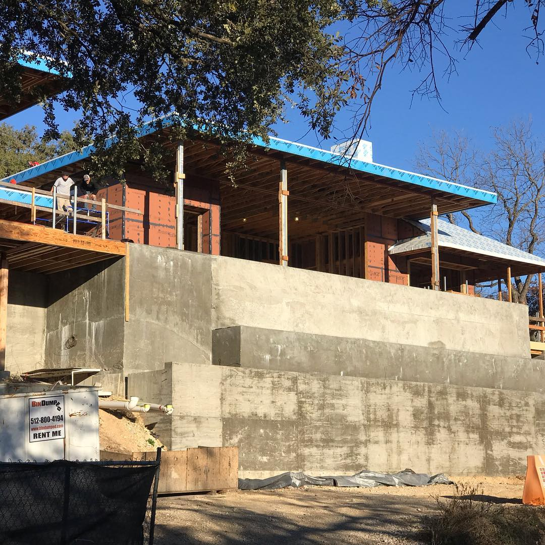 22' of Concrete structure complete! Designed by @laruearchitects Built by @foursquarebuilders @boothe_concrete @austinwaterdesigns @austin_iron @lovecounty