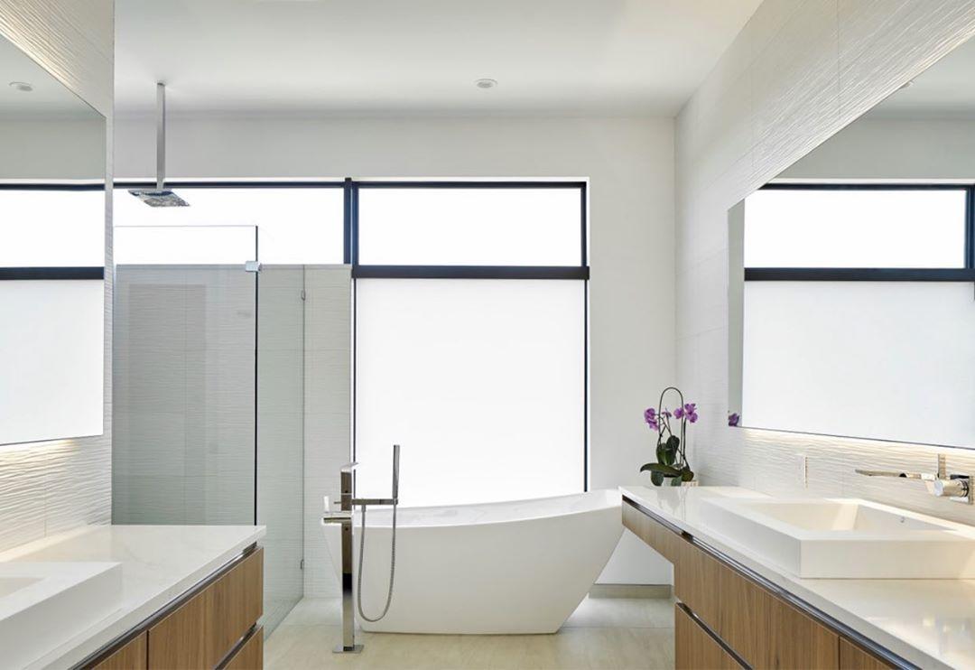 Master bath designed by @lankerani_architecture Photo by @drorbaldingerphotographer