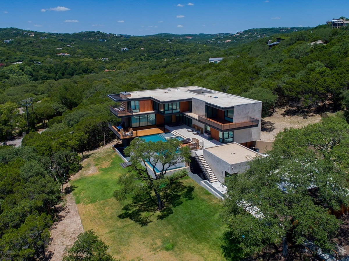 Hill country views with that gorgeous modern vibe.