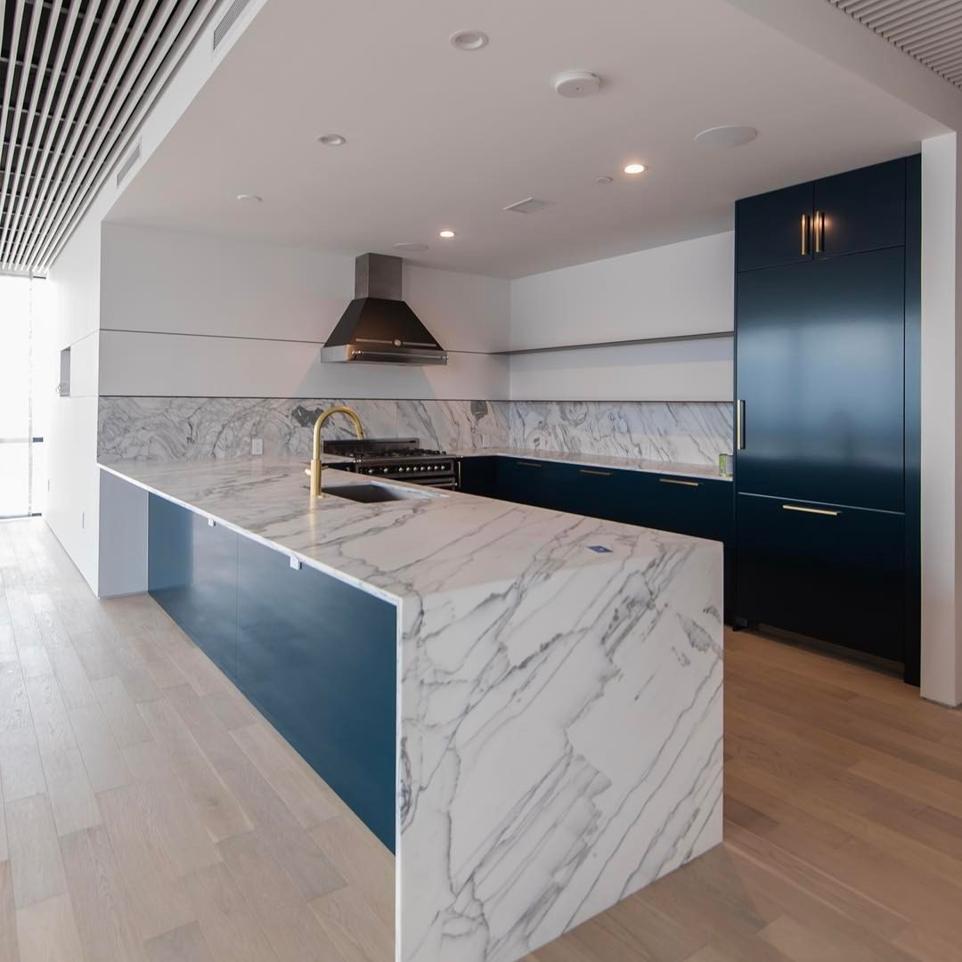 """Our completed Seaholm condo finish out.    Design by @slicdesign  Built by @foursquarebuilders  Photo by @redpantsstudio"""""""