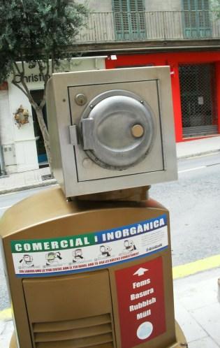 Mülleimer in Palma, hatten ein bisschen was von Star Wars