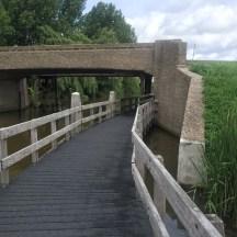 fietspad onder brug