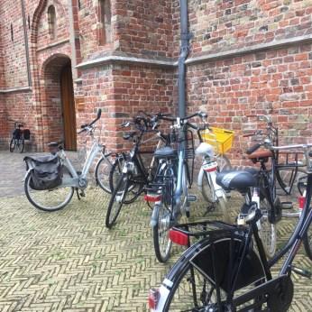 fietsen voor kerk