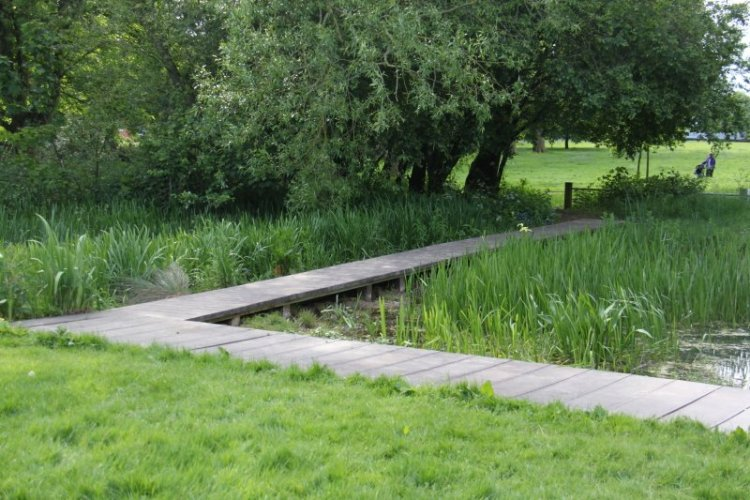 Victoria Park Leicester - wildlife pond boardwalk extension