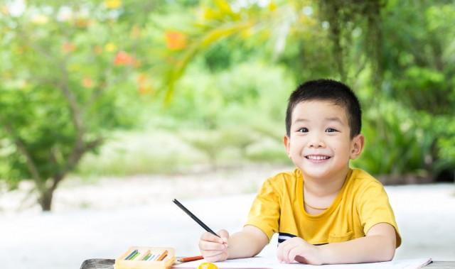 Manfaat Mengajari Anak Membaca Sejak Dini