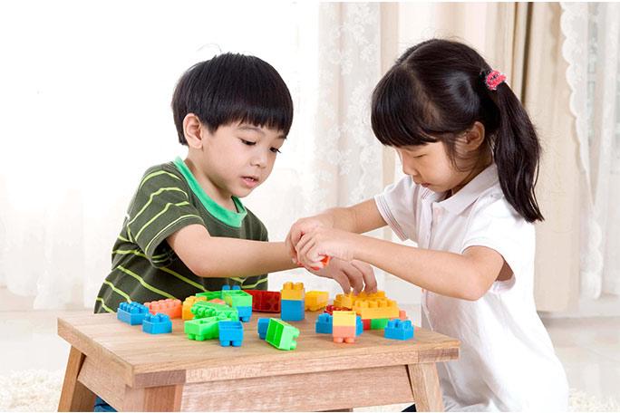 Mainan untuk Stimulasi Anak 1 Tahun