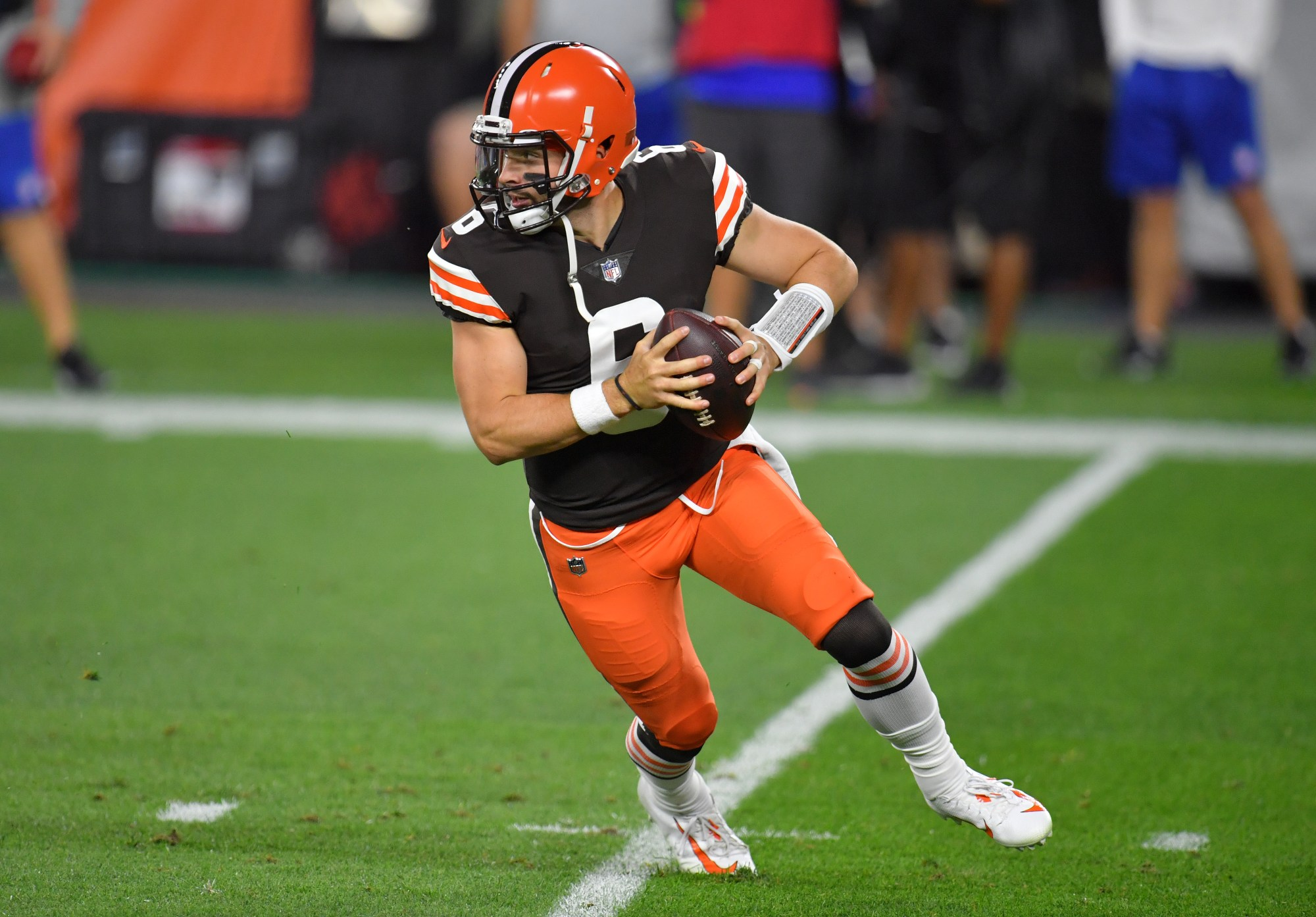 Baker Mayfield #6 of the Cleveland Browns scrambles