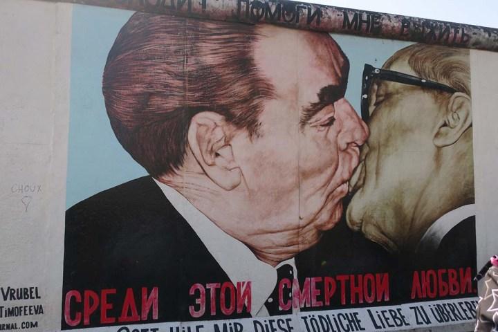 Célèbre pan du mur de Berlin