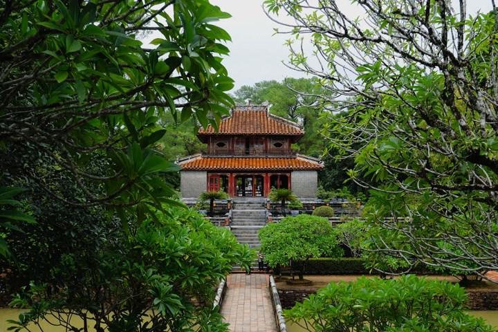 Visiter la sépulture de Minh Mang