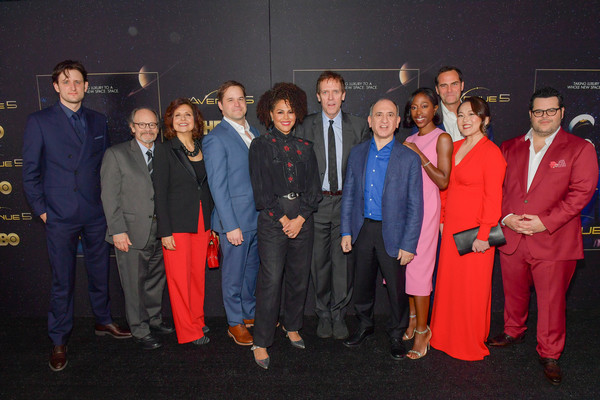 Avenue 5 season 2 cast