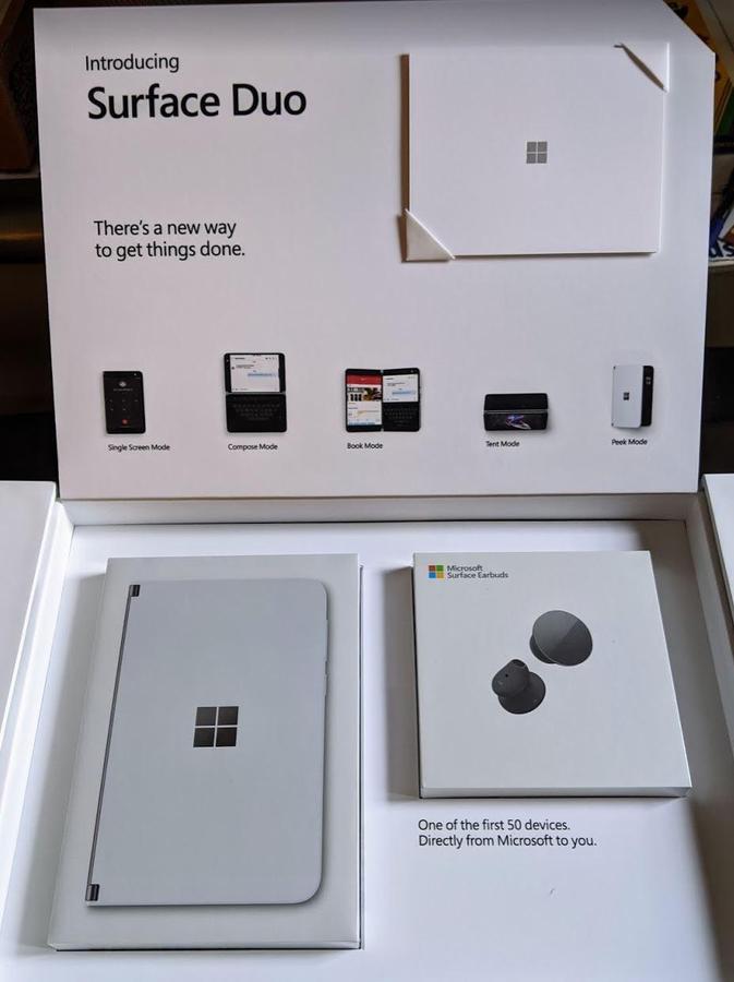 Surface Duo box