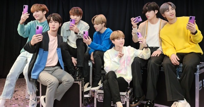 BTS Photocard Offers: Samsung trending on Twitter after launching the free offer