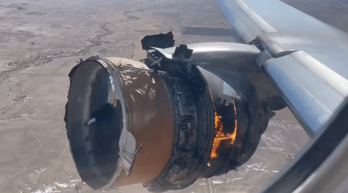 United Airlines flight safely lands after dramatic engine failure caught on camera