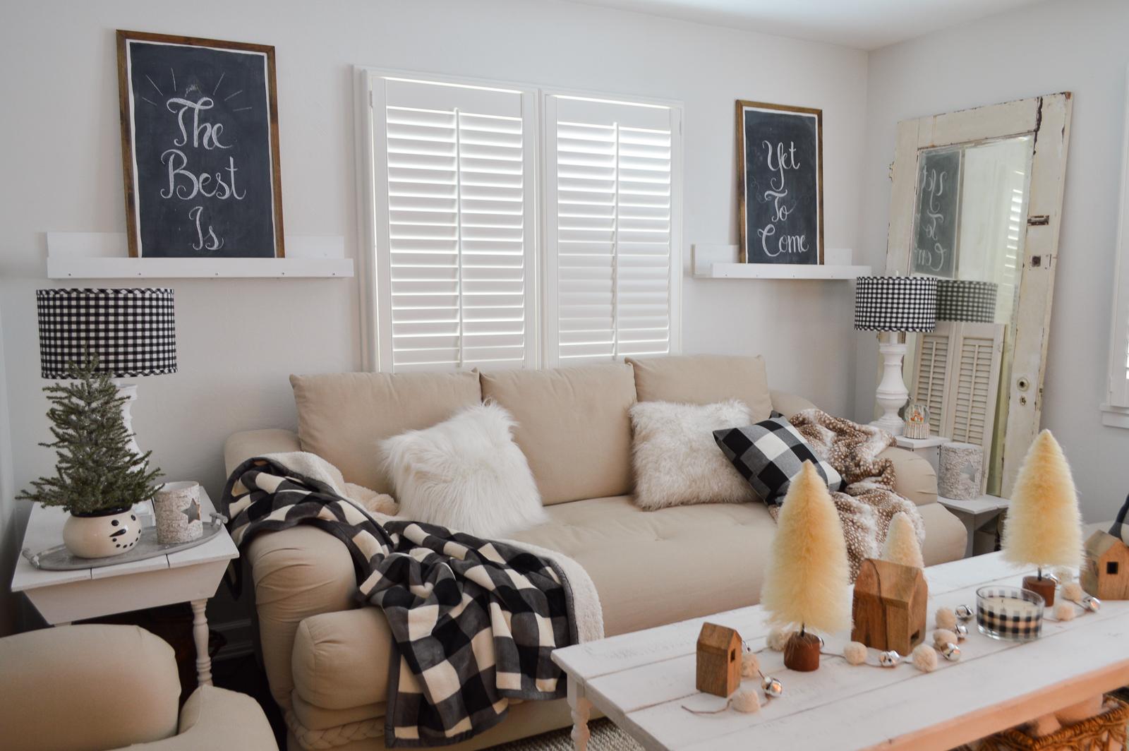 Cozy Cottage Winter Living Room Decorating Ideas - Fox ... on Room Decoration Ideas  id=20884