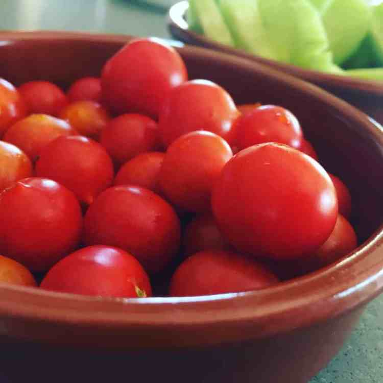 Cherrytomaat, komkommer, paprika, wortel.