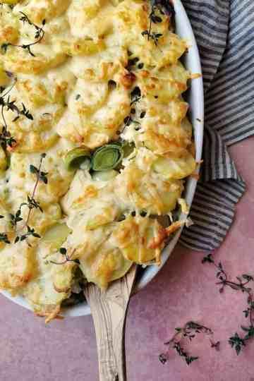 Casserole met prei en aardappel