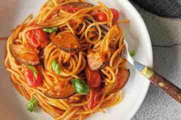 Spaghetti aubergine