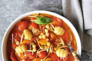 Vegetarische minestrone soep