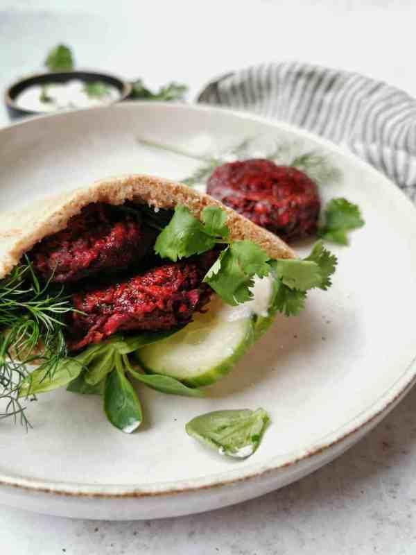 Zelfgemaakte bieten falafel