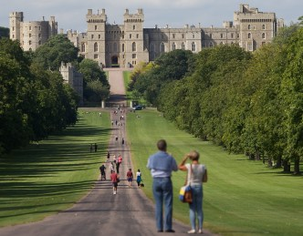 BRITAIN-ECONOMY-OLY-2012-WINDSOR-FEATURE