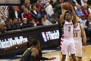 Wizards Stay Unbeaten at Home; Take 3-2 Series Lead