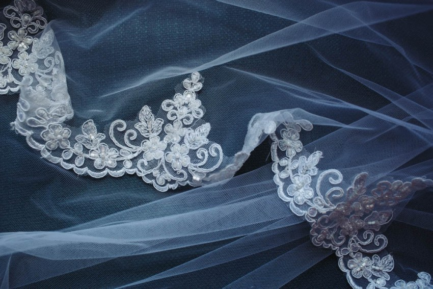 Floral lace detail trim on wedding veil