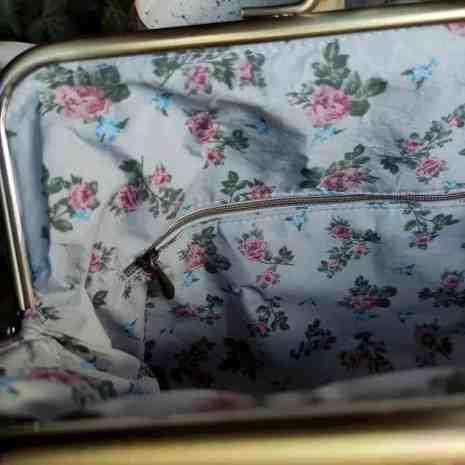 kurk beugel tas met liefelijk kant patroon binnenkant