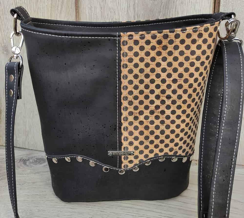 2 kleuren schoudertas kurk zwart met leuke stippen