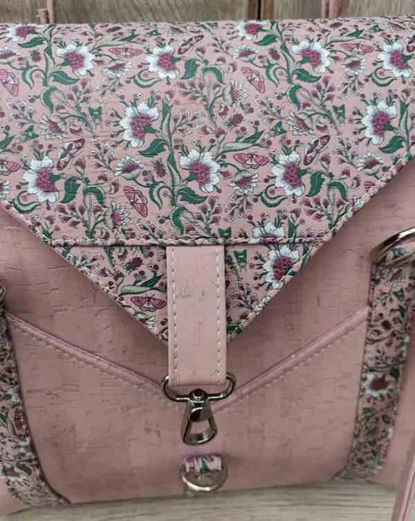 kurk schoudertas roze detail klep
