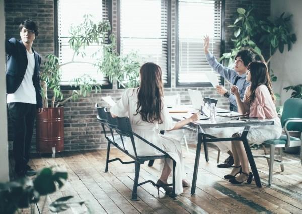 従業員持ち株制度、団体保険、財形貯蓄…会社の制度は活用すべきなのか。メリット・デメリットは?