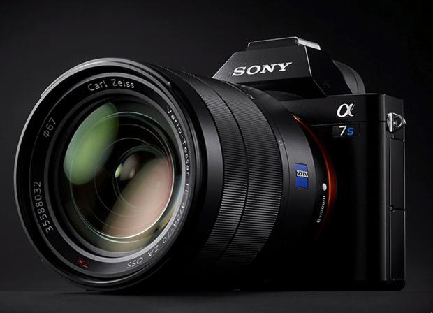 Sony Alpha A7S II  (4K + 120fps HD)