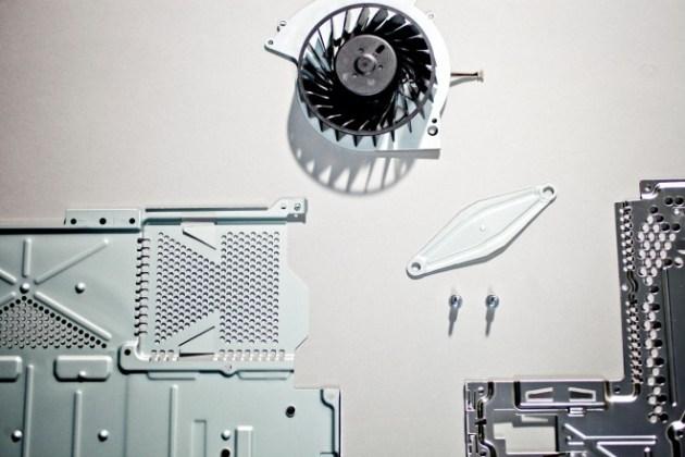 PlayStation 4の内部公開、担当エンジニアによる分解 (6)