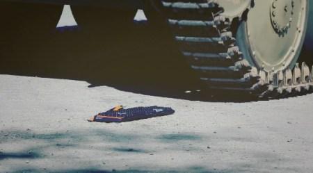 実際の戦車に踏れても動作するか?ゲーミングキーボード「G710+」PRムービー公開