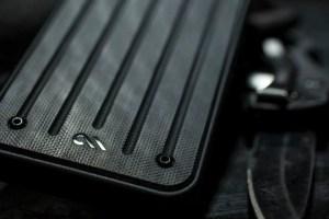 これは欲しい!「実銃の素材」で作られたiPhoneケース