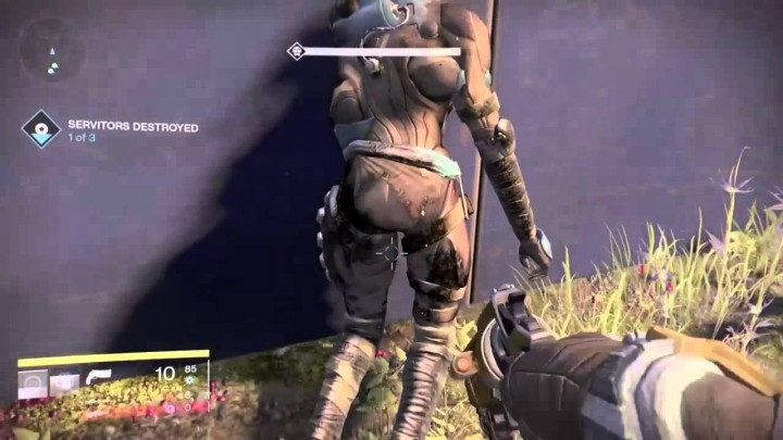 Destiny:グレッグの尻を叩き続ける新手の痴漢が目撃される