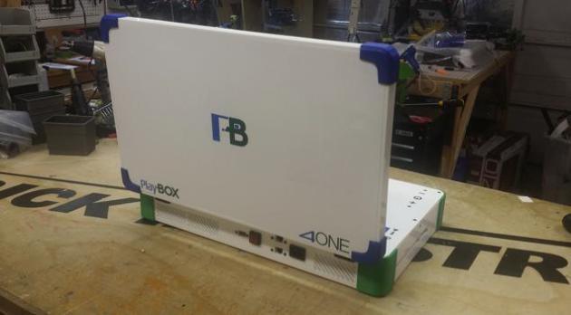 PlayBox背面