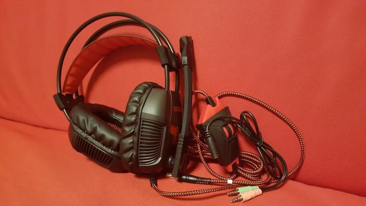 ヘッドセット本体とオーディオ変換ケーブル