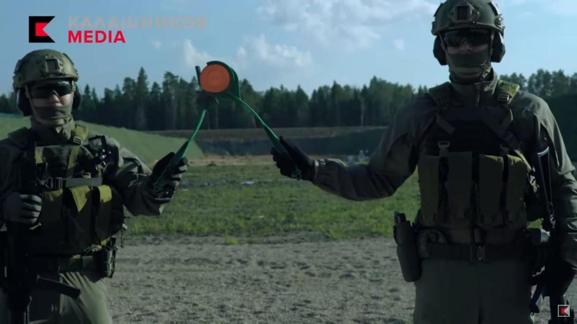 【恐ロシア】ロシアの銃制作会社、向かい合って実弾射撃など狂気の生配信デモンストレーション