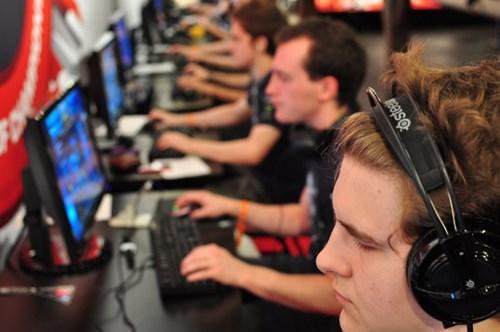アメリカ15州の高校で「eスポーツ」導入へ、ただしFPSは対象外
