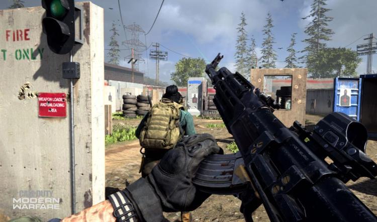 『BFV』プロデューサーが『CoD:MW』に援護射撃 「ミニマップ無しも一つのスタイル」