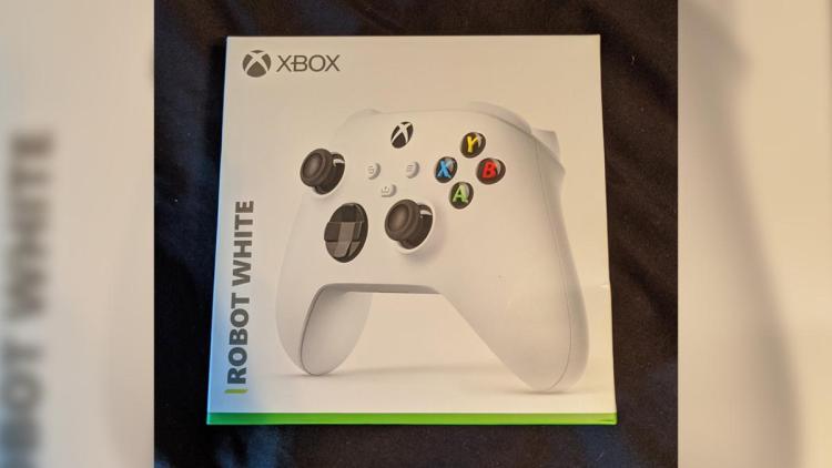 次世代ゲーム機Xbox Series Xの廉価版「Xbox Series S」登場か、コントローラーのリークから判明