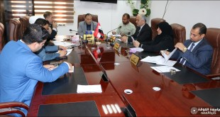 Dean of the Faculty of jurisprudence meets with heads of departments to find out the preparations for the final examinations