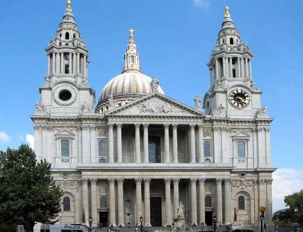 Quand a-t-on construit la cathédrale Saint-Paul de Londres