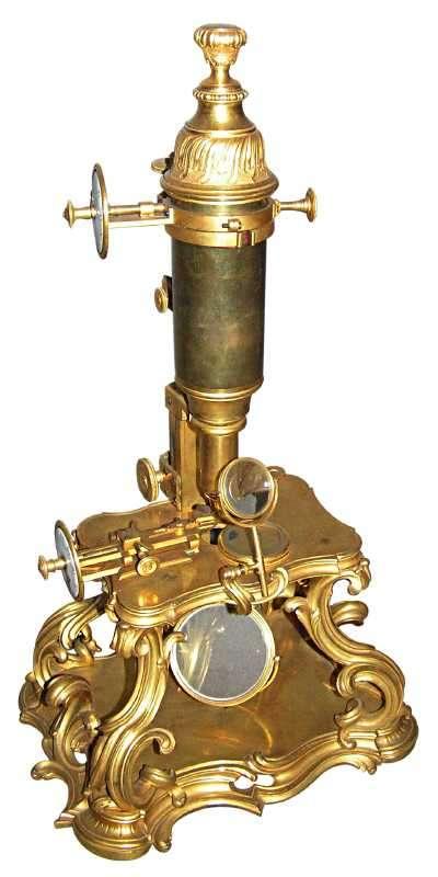 1609 : invention du microscope