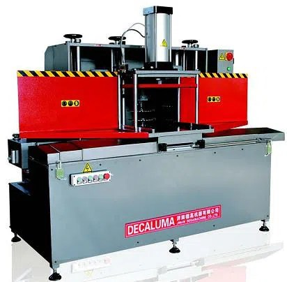 machine de fraisage en aluminium de tenon pour le fabricant de profil de mur rideau prix machine de dega