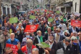L'état de santé de 23 détenus, arrêtés le 03 avril lors d'une marche à Alger et placés en détention provisoire, a été dégradé suite à la grève de la faim qu'ils observent depuis neuf jours,